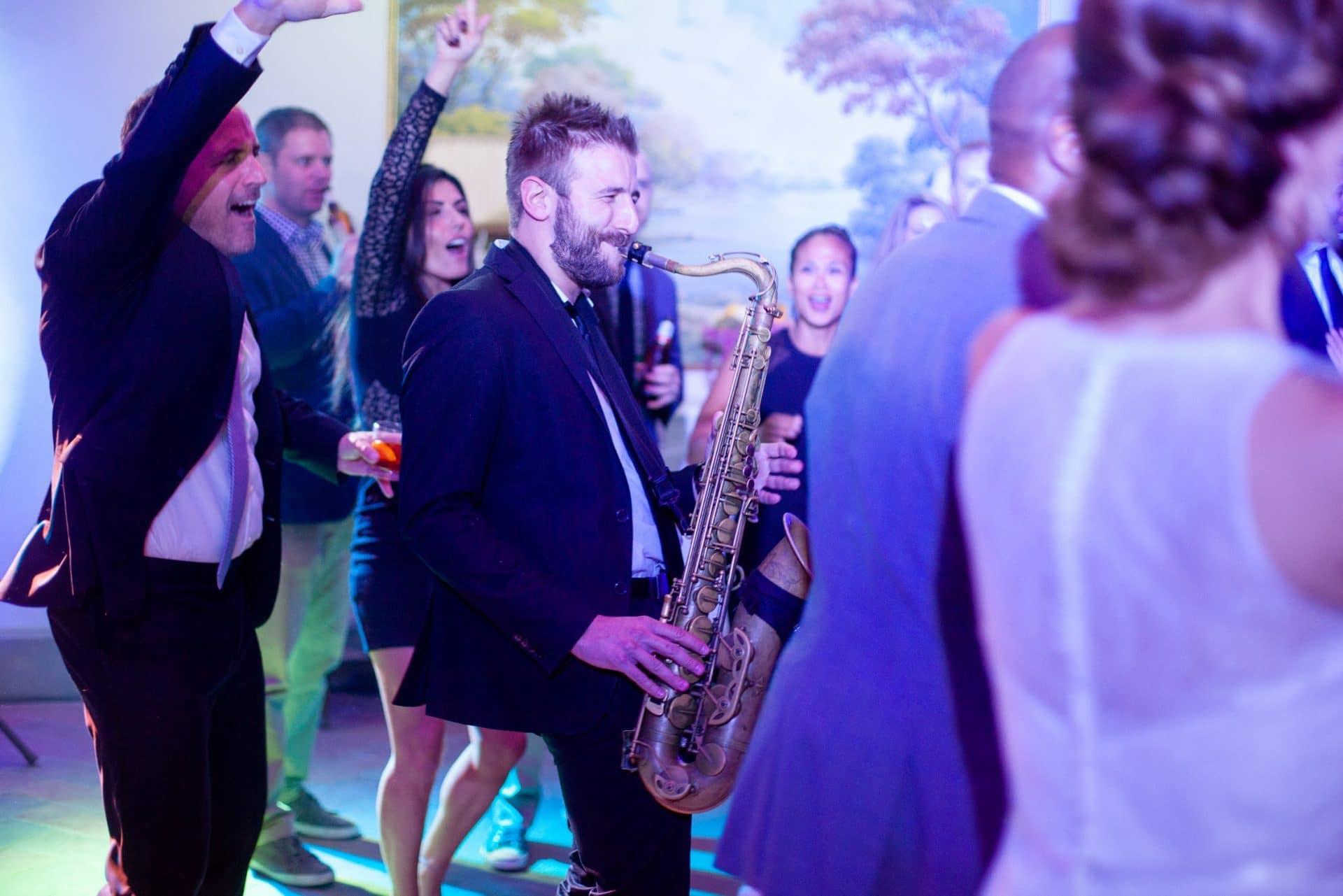sax sassofono villa le fontanelle kaleydo entertainment